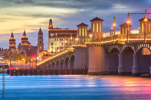 Fototapete St. Augustine, Florida, USA city skyline and Bridge of Lions