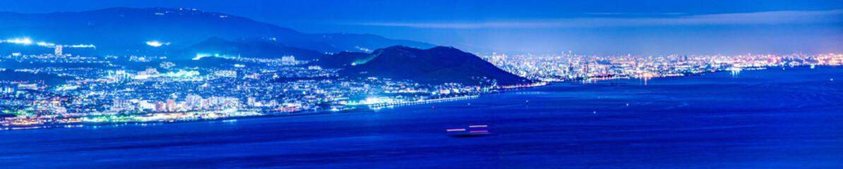 兵庫県・淡路から見る明石海峡と神戸市の夜景