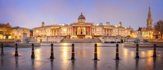 Fotobehang Londen Panoramic View of Trafalgar Square - London, Great Britain
