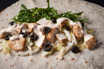 flat bread with chicken