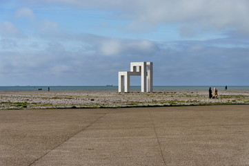Sculpture abstraite UP#3, (Sabina Lang et Daniel Baumann). Le Havre. Normandie. France. Novembre 2019.