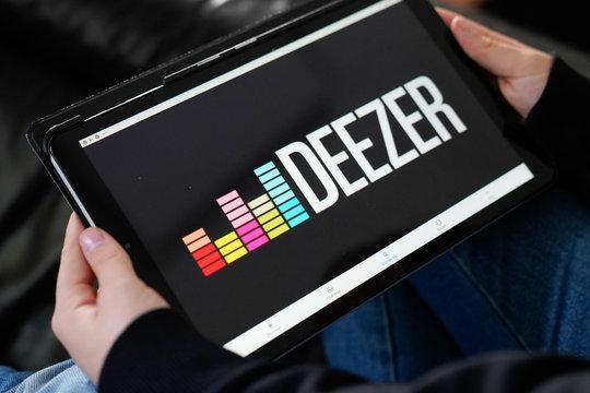 Deezer logo sign tablet Music streaming app streaming music Internet
