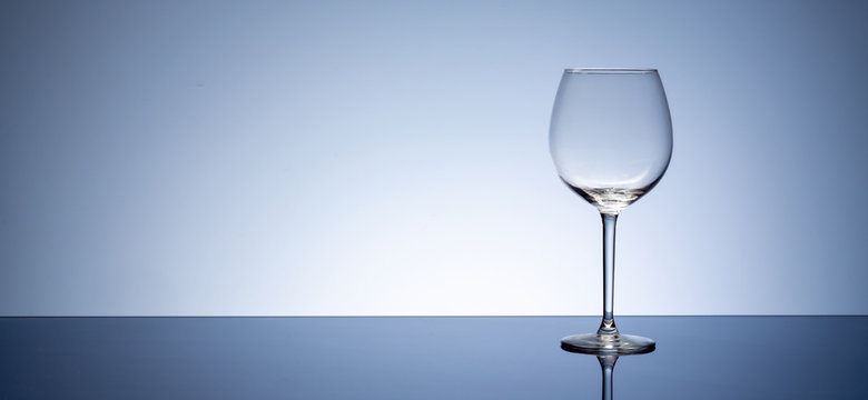 simple Empty clear wine glass on table