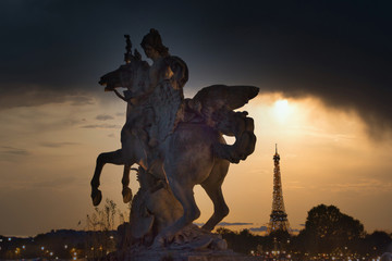 Fototapete - Statue riding a Horse with Eiffel Tower in the background, and under an amazing Sky