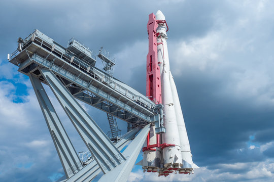 Installation for launching rockets. Concept - Space programa Russia. Spaceship is installed on the platform. Platform for launching spaceships. Space exploration. Rocket on the background of the sky
