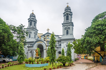 View at the Cathedral of Most Holy Rosary in Kolkata - India,West Bengal Papier Peint