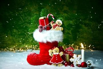 Nikolaus  Stiefel - gefüllter Nikolausstiefel - Weihnachtshintergrund