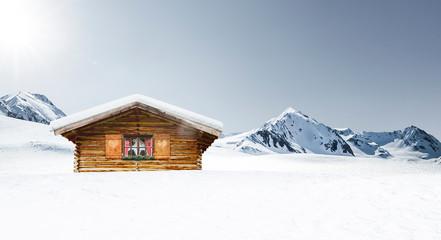 Uirge Schihütte in den Bergen