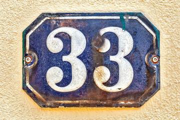 Hausnummer 33