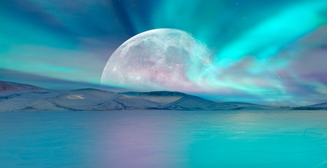 Papiers peints Aurore polaire Northern lights (Aurora borealis) in the sky with super full moon - Tromso, Norway