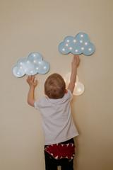 Lampka, światełka, pokój dziecięcy, niebo, chmura, zabawa.