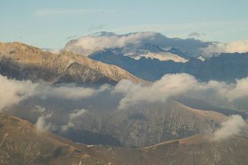 Alpengipfel in Watte / Blick aus Südwesten zum Monte Gruf (Bernina-Alpen)