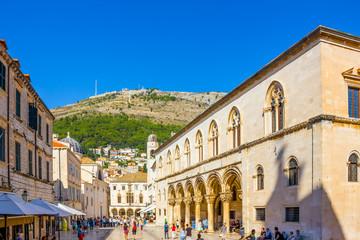 Rectors Palace and Srd Hill in Dubrovnik, Croatia Fototapete