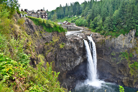 Snoqualmie Falls from the pavilion