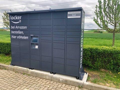 Amazon locker located at a petrol station in Ostfildern, Germany