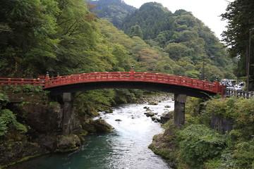Papiers peints Pont Red bridge Shinkyo in Nikko, Japan