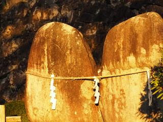 日本の神が宿る石の写真