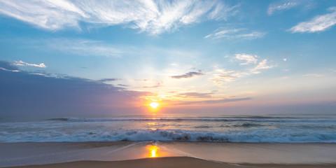 Sunrise over the ocean Fotomurales