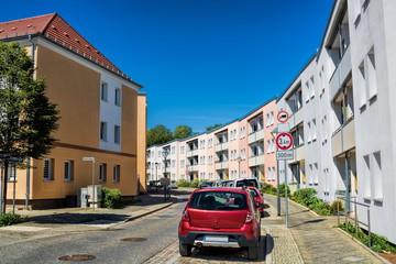 Fotomurales - saniertes stadtviertel in bernau bei berlin, deutschland