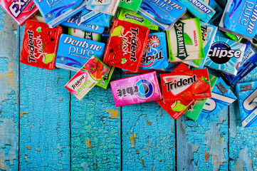 Various brand chewing gum brands Orbit, Extra, Eclipse, Freedent, Wrigley, Spearmint, Tident, Stride lot of chewing gum packages