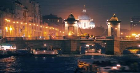 Fotobehang - Night traffic at Lomonosov Bridge and Fontanka River in Saint Petersburg, Russia. Timelapse, 4K UHD.