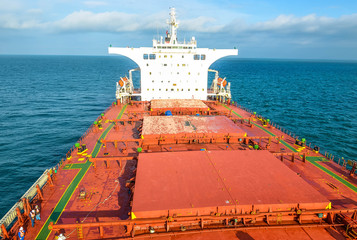 Papiers peints Corail aerial view of a cargo ship in the Channel