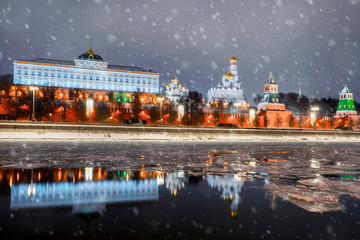 Christmas in Moscow. view of the Kremlin embankment and the Moscow Kremlin