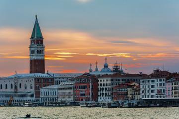 Fototapete - Idyllic landscape of historical city Venice, Italy under sunset