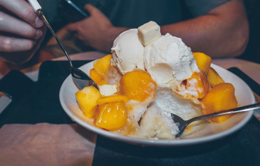 bowl of cold and fresh mango Bingsoo