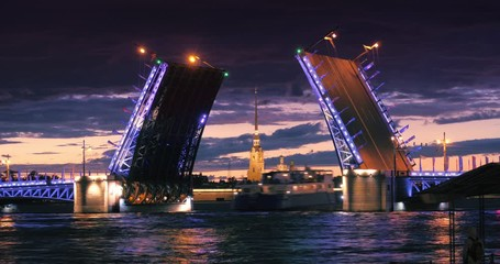 Klistermärke - Sunset on Neva River with Palace Bridge raised and Peter and Paul Fortress in background. Saint Petersburg, Russia. 4K UHD Timelapse.