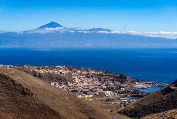 San Sebastián on La Gomera with Tenerife and Teide