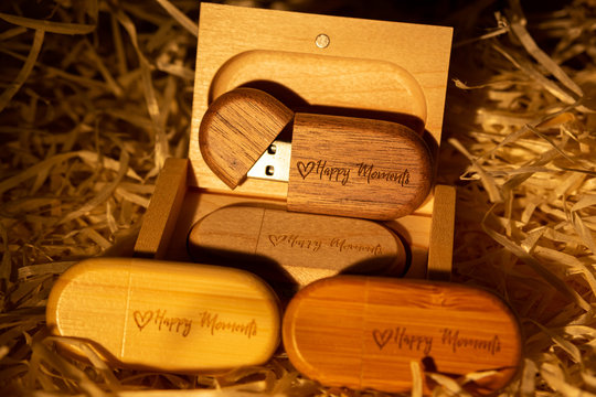 """USB flash drive wood in a box. with laser engraving """"happy moments"""". set for the photographer, presentable set of photos, luxury"""
