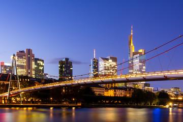 Printed kitchen splashbacks Brooklyn Bridge The Holbeinsteg footbridge in Frankfurt acrross Main river at night