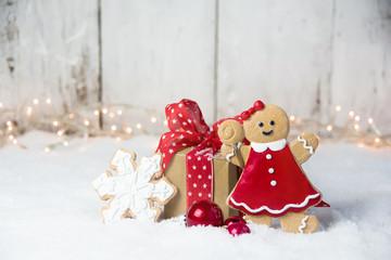 Weihnachten Geschenk Box im Schnee - Weihnachtskarte