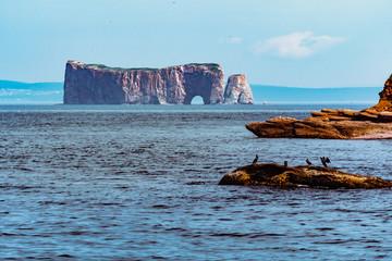 Boat trip around Percé Rock and Baventure island Fototapete
