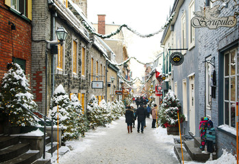 Quebec, Canada - December 21, 2016:  Rue du Petit-Champlain at 21 December, 2016 in Quebec City, Quebec, Canada. Historic District of Quebec City. Fototapete