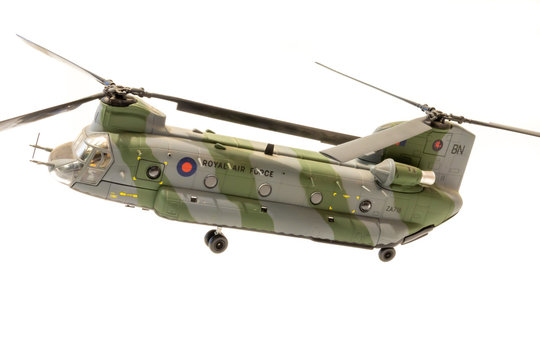 1:72 Scale Model Royal Air Force (RAF) Chinook Helicopter