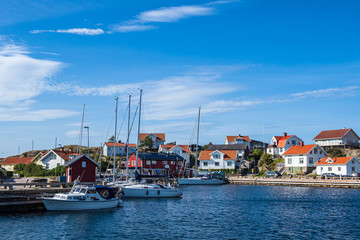 Fototapete - Hafen in Mollösund in Schweden
