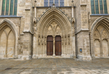 Wall Mural - entrance to the Minoritenkirche, Vienna, Austria