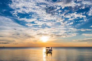 Sonnenuntergang auf Ko Lanta, Thailand