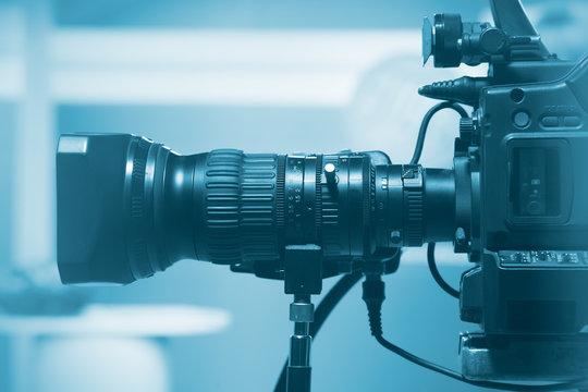 Professional video camera lens