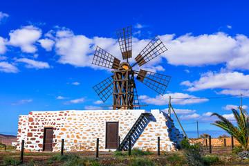 Türaufkleber Dunkelblau Traditional old windmills of Fuerteventura , Canary islands of Spain