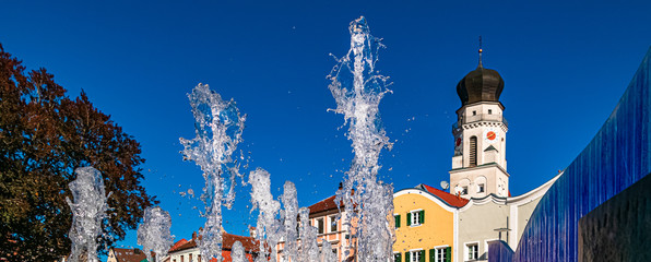 Beautiful view with a nice water fountain at Bad Griesbach, Bavaria, Germany Fototapete