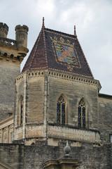 Mosaik auf dem Dach des Schlosses in Uzes