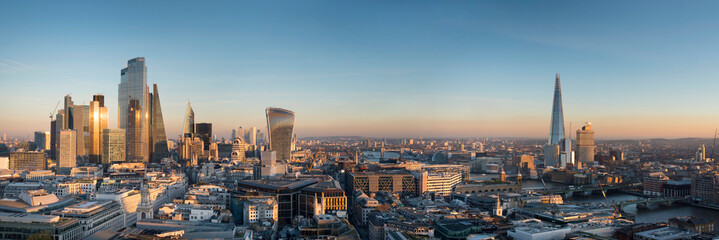 Zelfklevend Fotobehang London europe, UK, England, London, City Shard pano no scaffolding