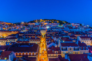 Türaufkleber Dunkelblau Sunset view over Sao Jorge castle in Lisbon, Portugal