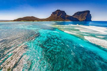 Keuken foto achterwand Koraalriffen Aerial view of Lord Howe Island Coasts, turquoise blue Coral reef lagoon, the Tasman Sea, between Australia and New Zealand