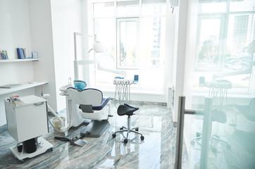 Fototapeta Light stomatological room is waiting for patient obraz