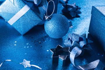 Vintage Christmas box ball ribbon Color year