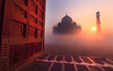 Taj Mahal at sunrise Fototapete